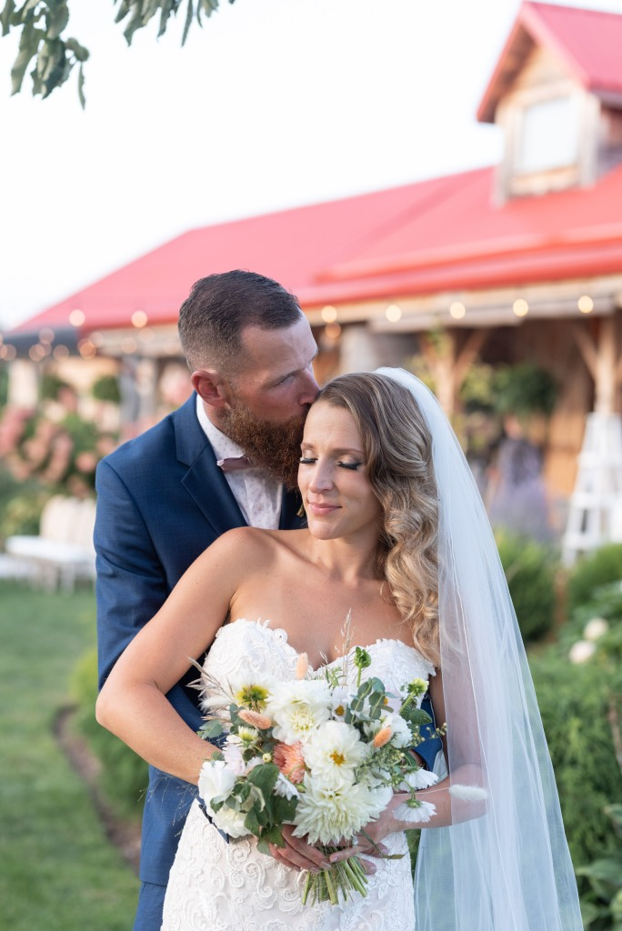 bride and groom at Stonewall Estates Winery