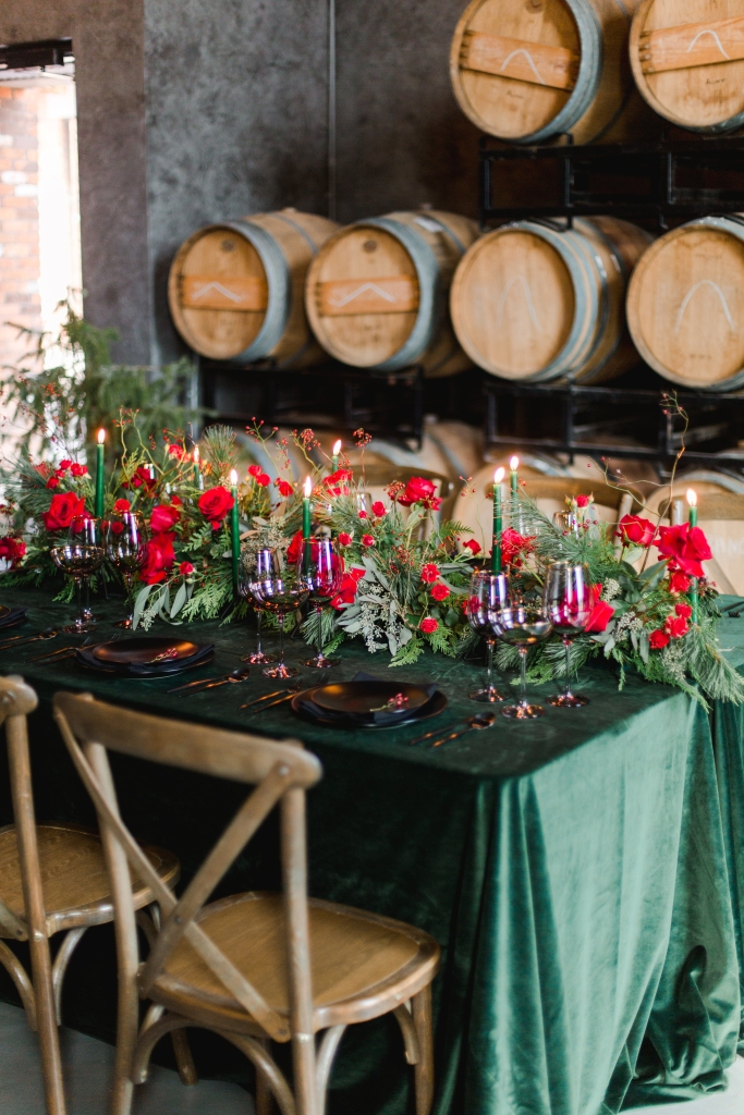 green and black tablescape styled by Niagara Wedding Planner, Lasting Events