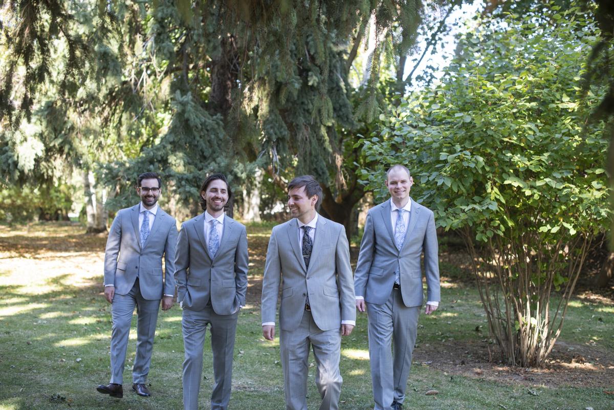 groom and groomsmen at Honsberger Estate Winery in St. Catharines