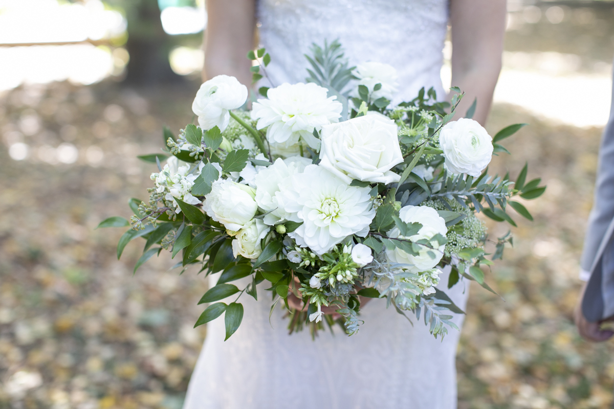 Brides white and green bouquet by My Motif
